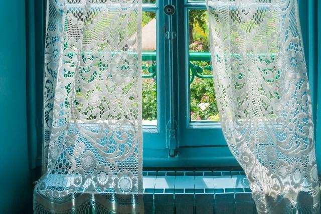 White lace curtains Abu Dhabi